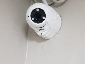מצלמות אבטחה במשרד